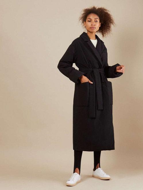 12STOREEZ Пальто утепленное из плащевой ткани, с поясом (черный)