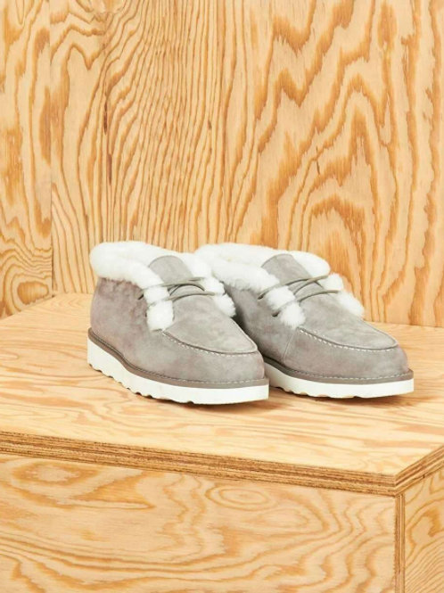 Полуботинки с рифленой подошвой, на шнурках (светло-серый)