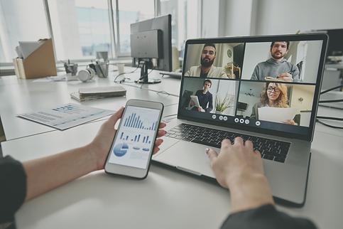 meeting-via-video-conferencing-app-YFTJC