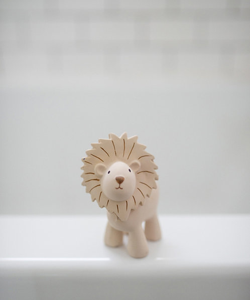 Natural Rubber Bath Toy, Teether and Rattle / Lion