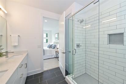 43-Master Bathroom.jpg