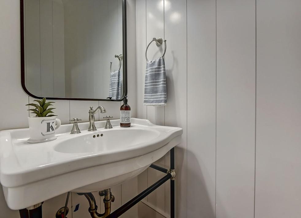 53-Half Bath.jpg