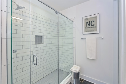 42-Master Bathroom.jpg