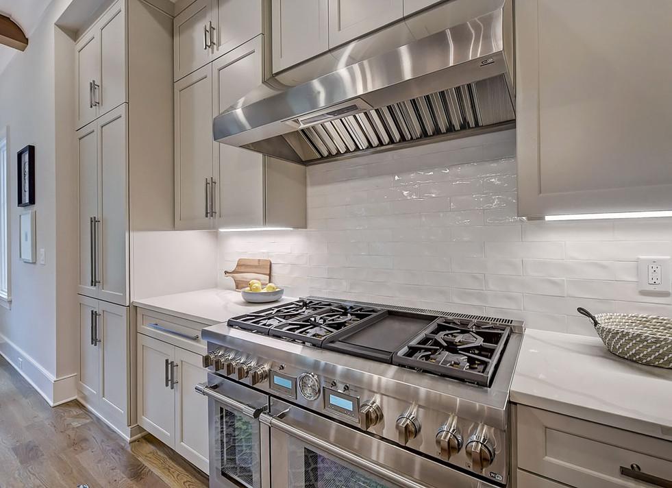 26-Kitchen.jpg