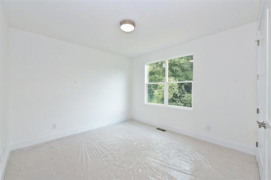 46-Bedroom.jpg