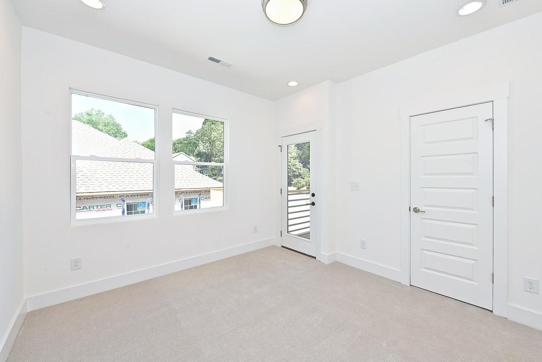 29-Bedroom.jpg