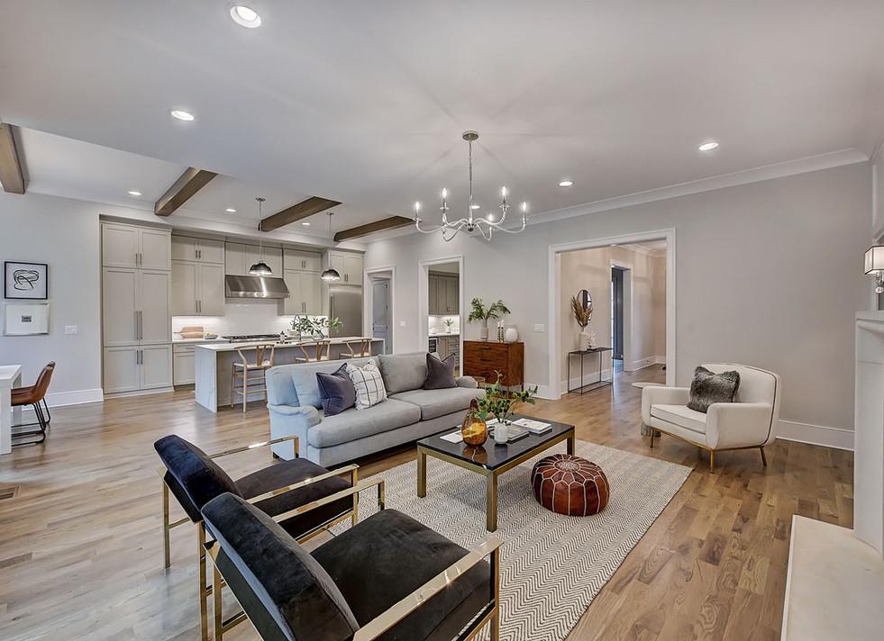 20-Living Room.jpg