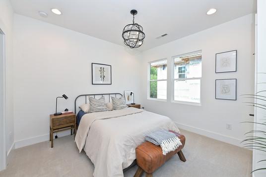 21-Master Bedroom.jpg