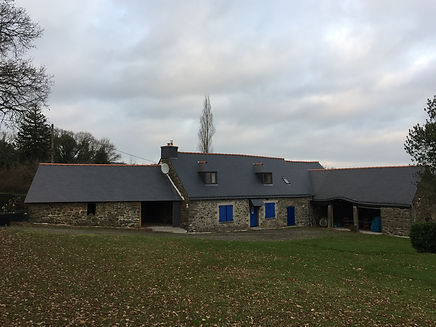 Exemple de toiture réalisée par Raikes Couverture à St Aignan