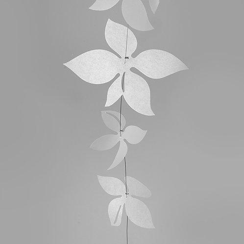 White Blossom Girlande