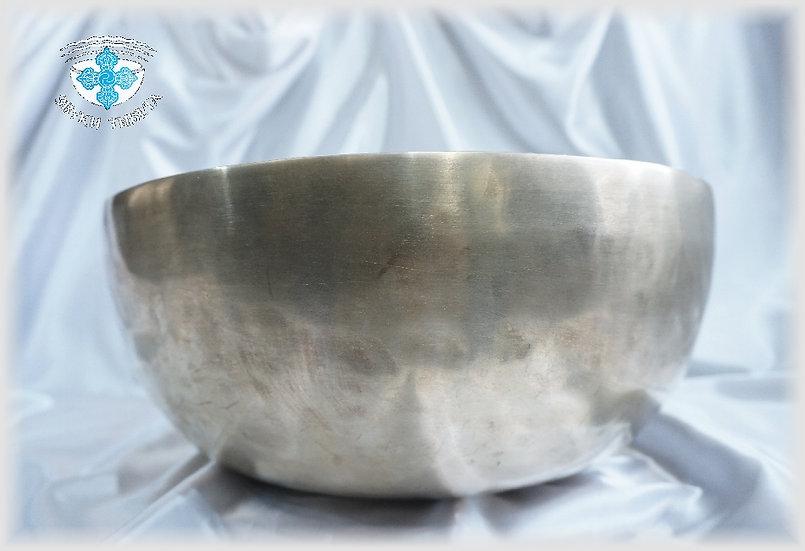+Поющая Чаша – кованая - 35.5 см. - 83 Гц. нота Ми - 247 Гц нота Си