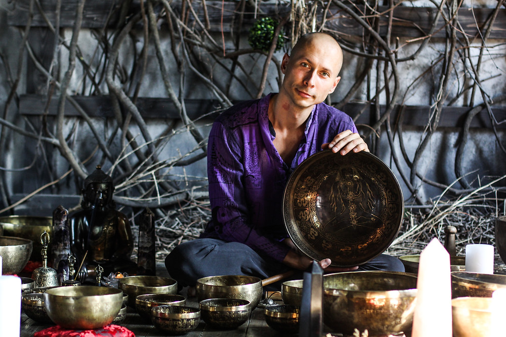 Звуки Тибета -  мы специализируемся на поющих чашах и гонгах.