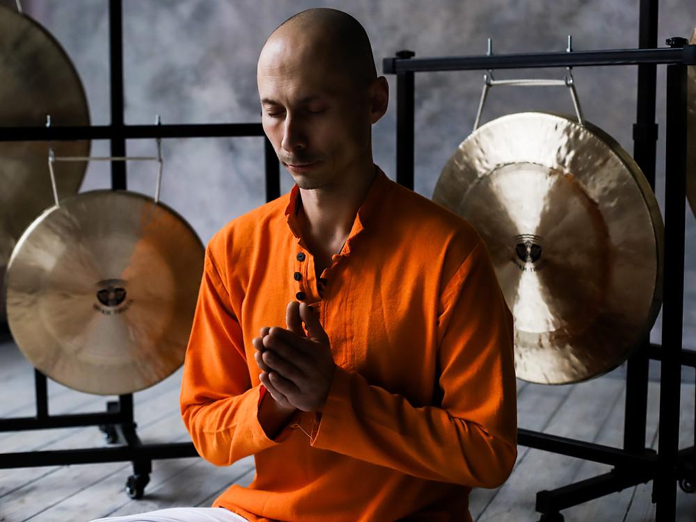 Звуки Тибета - поющие чаши, тибетские гонги, выбрать поющую чашу для практики.