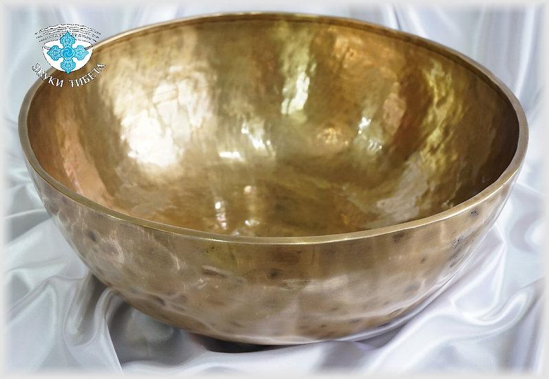 огромная тибетская поющая чаша