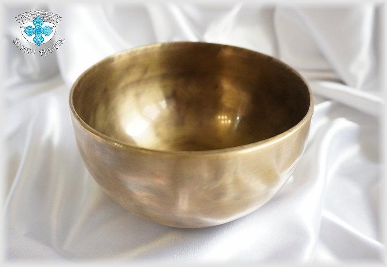 Классическая кованая чаша – сплав металлов.