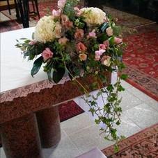 Composition retombante pour l'autel