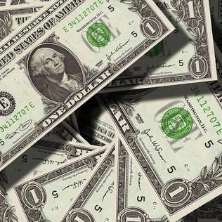 Reforma da previdência provoca queda do dólar abaixo 4 reais