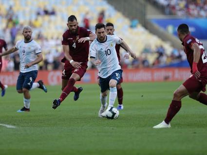 Argentina em vantagem com Messi