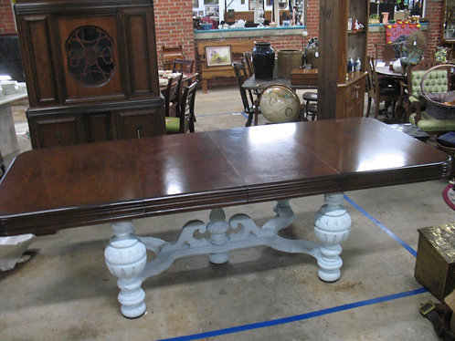 Antique Jacobean Tudor Dining Table with Two Leaves