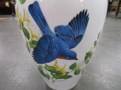 1986 Franklin Mint A. J. Rudisill 'The Bluebirds of Summer' Porcelain Vase