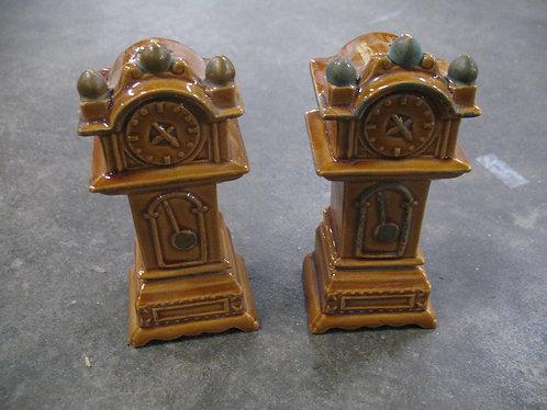 Vintage Ceramic Grandfather Clock Salt & Pepper Shakers