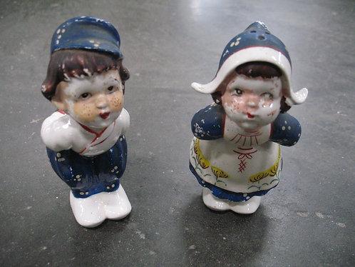 Vintage Handpainted Dutch Boy & Girl Salt and Pepper Shakers