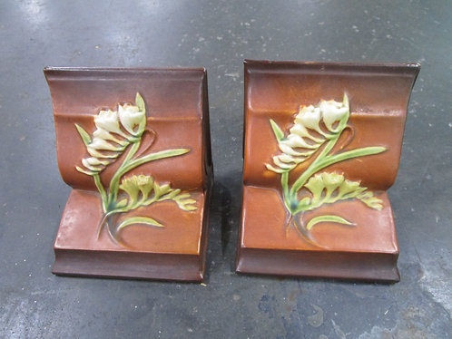Vintage Roseville USA #15 Freesia Ceramic Bookends