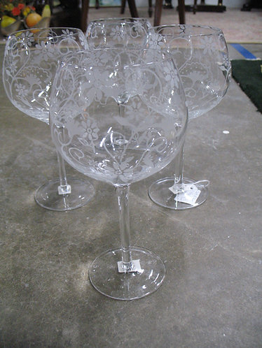 Etched Floral Wine Glasses Set of 4