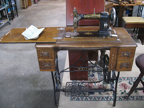 Antique White Rotary 850 Sewing Machine in Cabinet