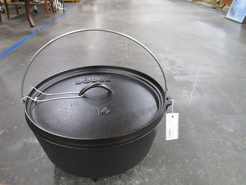 """Lodge Cast Iron 14"""" Camp Oven with Lid"""
