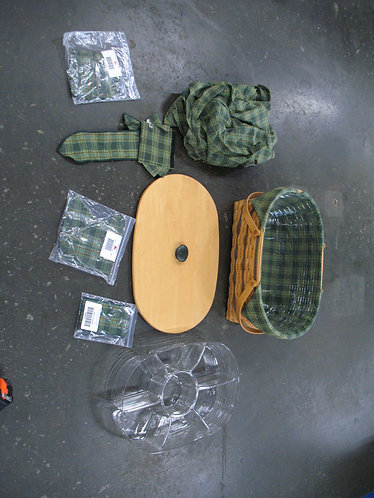 1999 Longaberger Generosity Basket Picnic Basket with Accessories