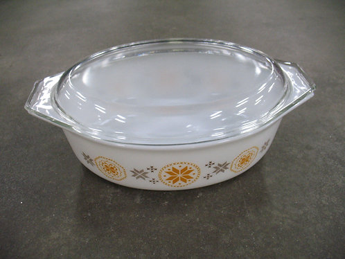 Vintage Pyrex Town & Country 2.5 Quart Casserole Dish with Clear Glass Lid