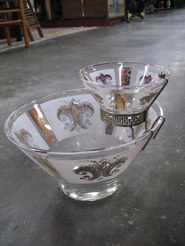 Vintage Mid Century Glass Fleur De Lis Chip and Dip Bowl Set