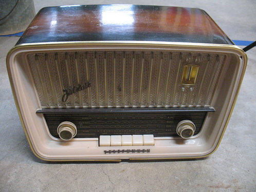 Mid Century Telefunken Jubilate 5161W Western Germany Radio (No Power Cord)