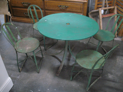 Vintage Green Metal Children's Outdoor/Indoor Table and Four Chairs