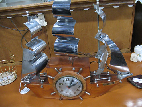 1949 Mastercrafters Yankee Clipper Electric Mantle Clock