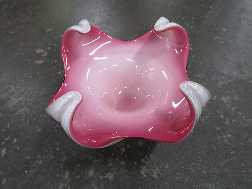 Vintage Chalet Four Point Pink and White Console Decor Bowl