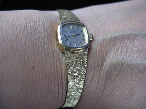Vintage 1970's Ladies Seiko 14K Solid Gold Battery Watch