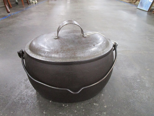 Vintage S & P Co.  Phil'A Gall 2.5 Gallon Cast Iron Oval Roaster with Tin Lid