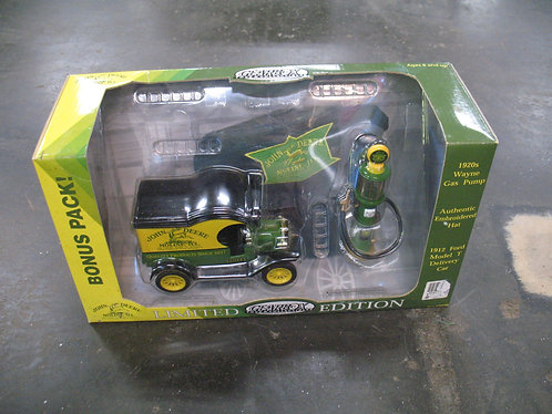 Gear Box 2002 NIB Limited Edition John Deere Collectible Diecast Metal Bonus Pac