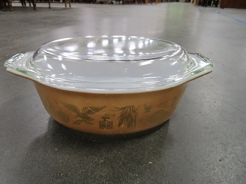 Vintage Pyrex Early Americana #043 1 1/2 Quart Oval Casserole Dish with Glass Li