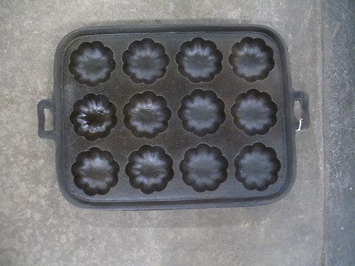 Vintage Turk Head Tart Muffin 12 Slot Baking Pan