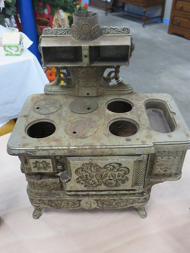 Antique (Patented 1895) Rival Salesman's Sample Stove