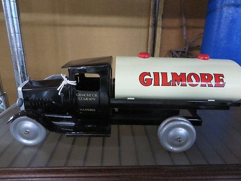 Metalcraft Replica Gilmore Gas Tanker Truck SpecCast