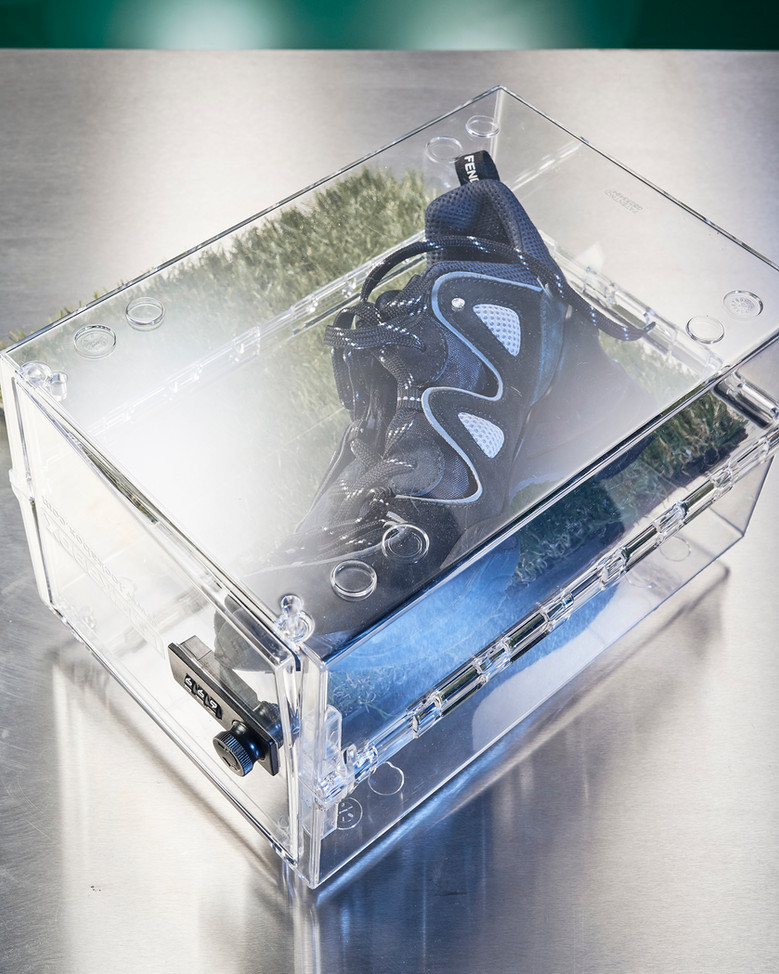 02_S&S-Shoes_Fendi.jpg