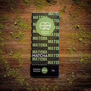 Organic Matcha white chocolate and cashe