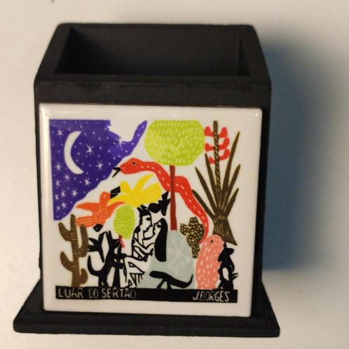 Porta Canetas com xilogravura do mestre J Borges