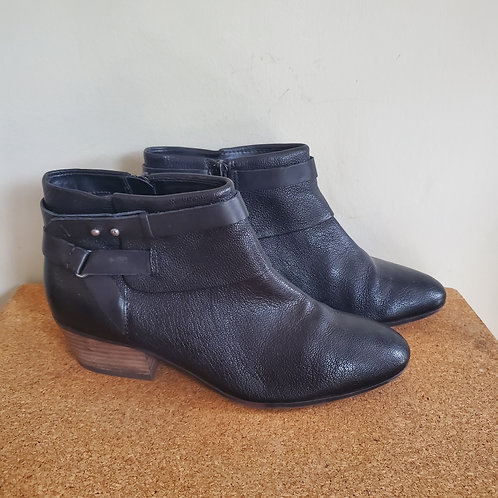 Clark's Collection Leather Boots with Wrap Detail - size 8M