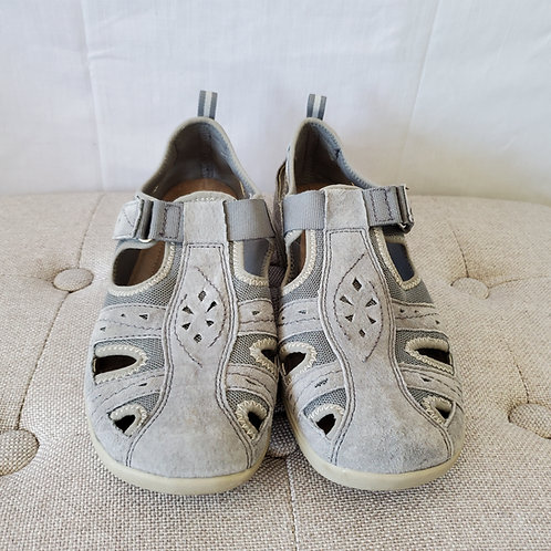 Earth Origins Leather & Fabric Active Shoes - size 9.5M