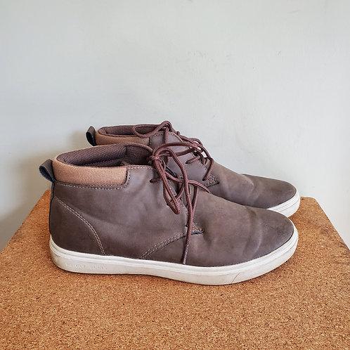 Perry Ellis Portfolio Faux Leafher High Top Sneakers - size 8